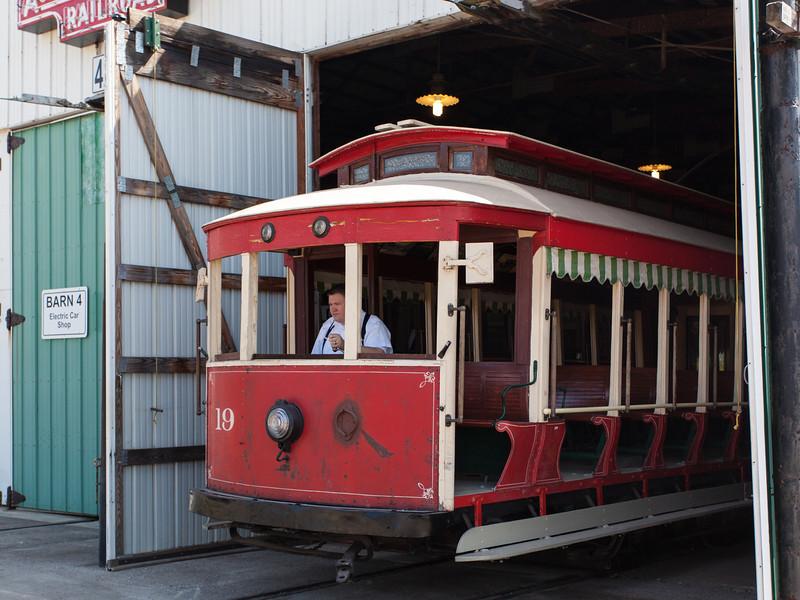 Trolley 19