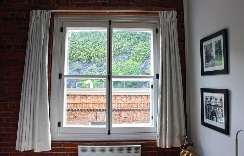 QuebecCity-Hotel-LeSaintPierreAuberge-03.JPG