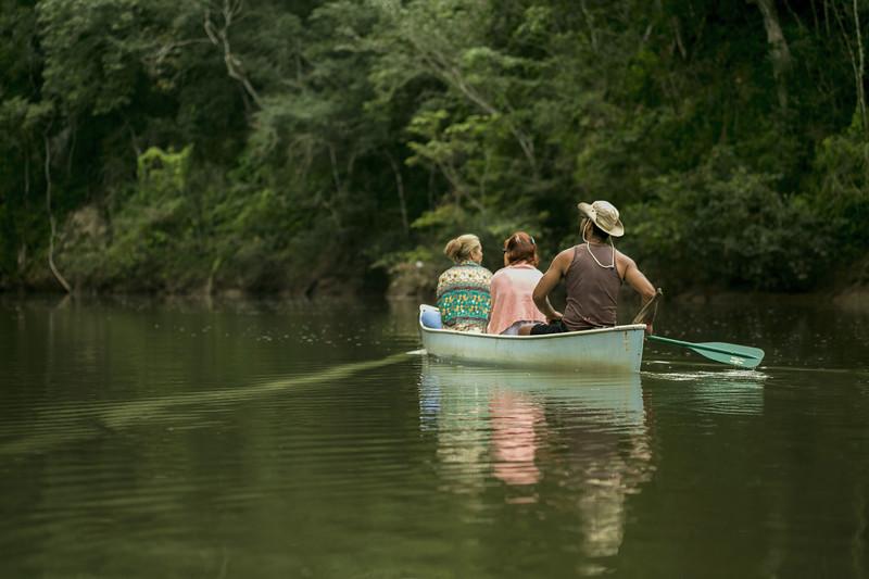 Pratt_Belize Canoe_06.jpg