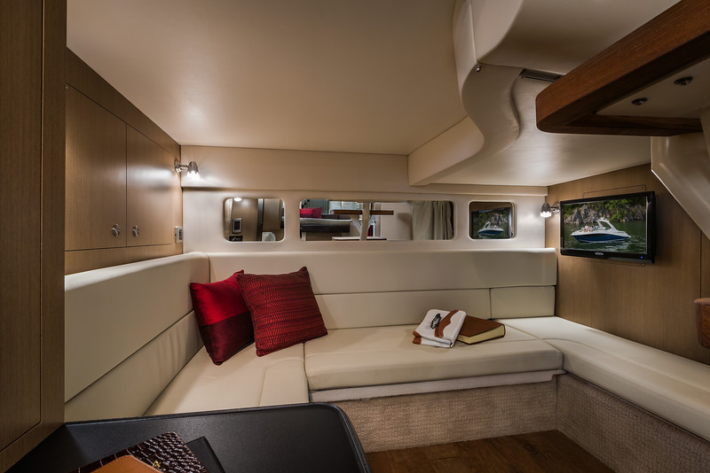 2015-SeaRay-330SD-Aft-Lounge.jpg