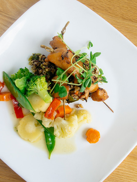 spectacle lake lodge chicken hor-2.jpg
