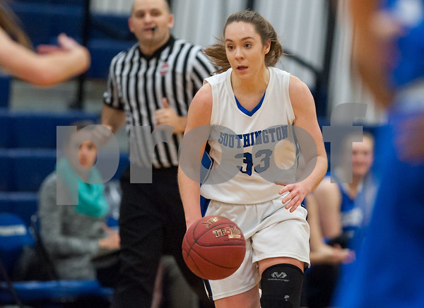 12/18/17 Wesley Bunnell | Staff Southington girls basketball was defeated by Glastonbury Monday evening at Southington High School. Janette Wadolowski (33).