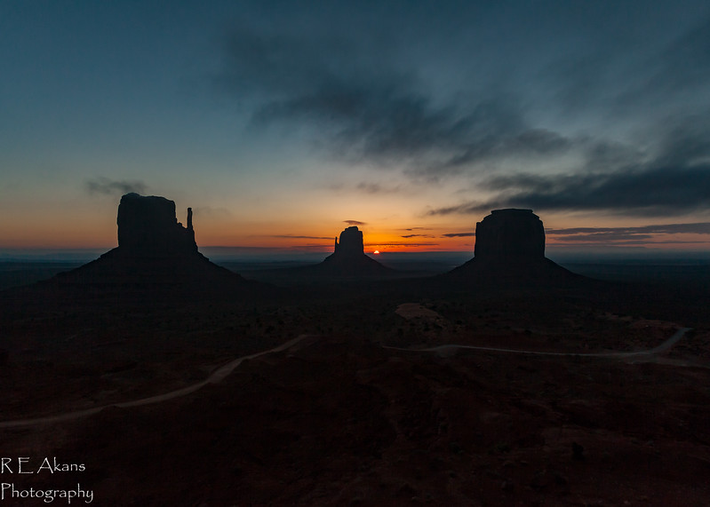 Monument Valley Sunrise 8791.jpg