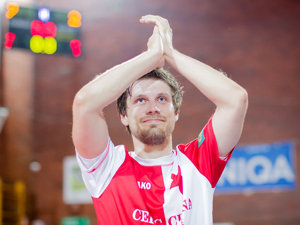 1. semifinále: Slavia - Benago 7:2