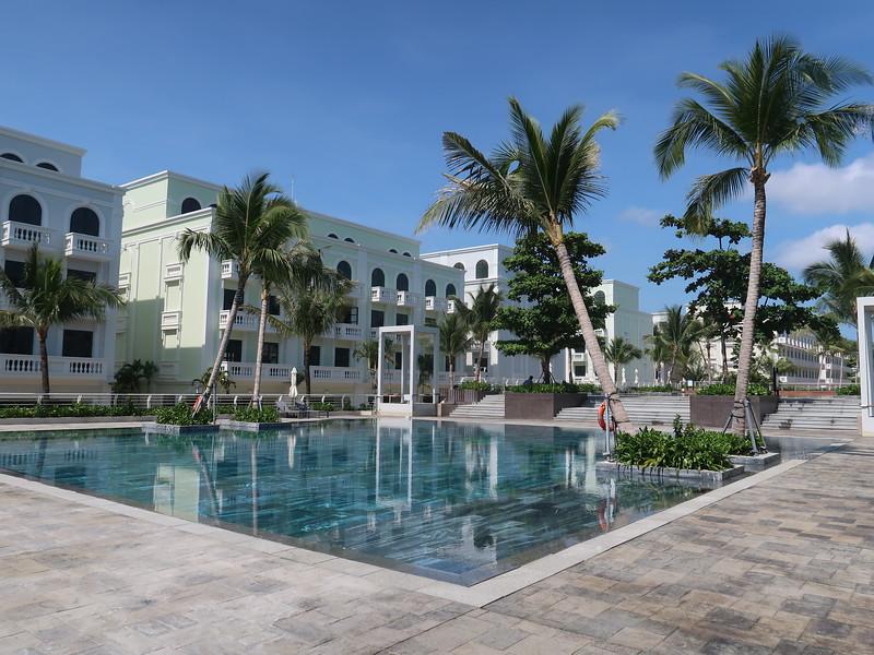 IMG_9061-waterfront-pool.JPG