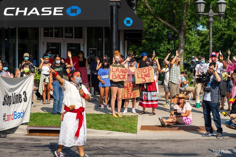 2021 08 16 Line 3 Protest Governor Mansion Chase Bank-37.jpg