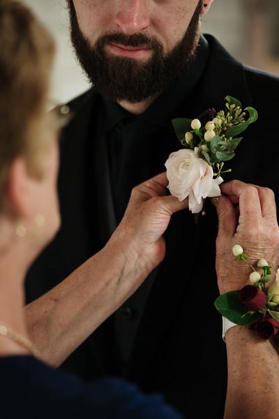 rustic_ohio__fall_barn_wedding-192.jpg