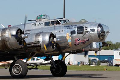 Sentimental Journey B-17 Flying Fortress