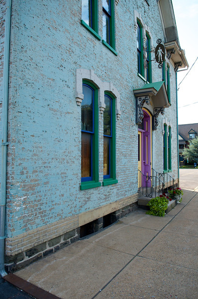 Cool house on Mulberry Street - in view of the Church. Need permission to shoot close to the house.
