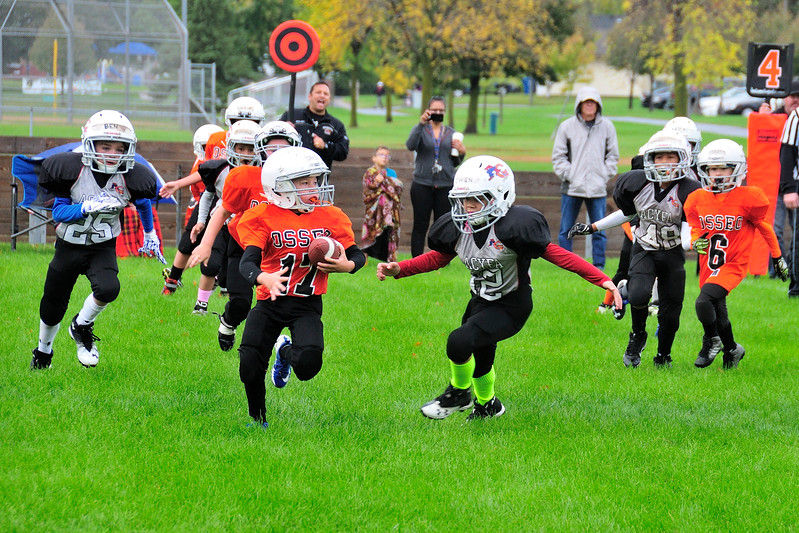 2017-10-07 Owen's Football Game - 3rd Grade 024.jpg