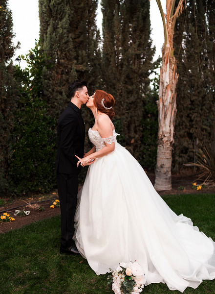 Alexandria Vail Photography Wedgewood Fresno Wedding Alexis   Dezmen609.jpg