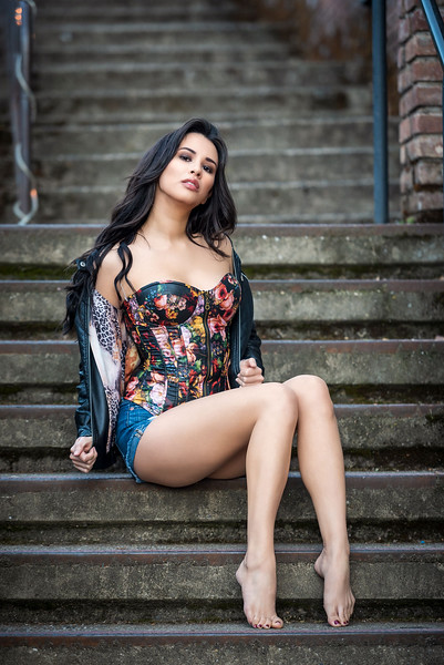 @breemignano 5'5   Shirt S   Dress: 2   Shoes 7   Bust 32C   115 lbs Ethnicity: Chinese/Italian/Spanish/Portuguese Skills: Chinese/Italian actress, real software engineer/web developer and photographer, singer
