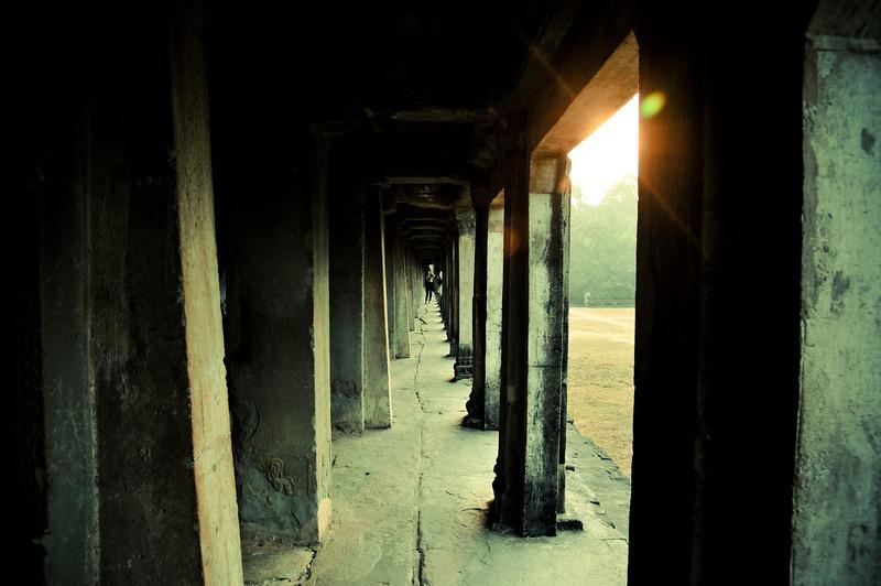 Day18-AngkorWatSunset-44.jpg
