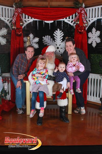Santa 12-17-16-133.jpg