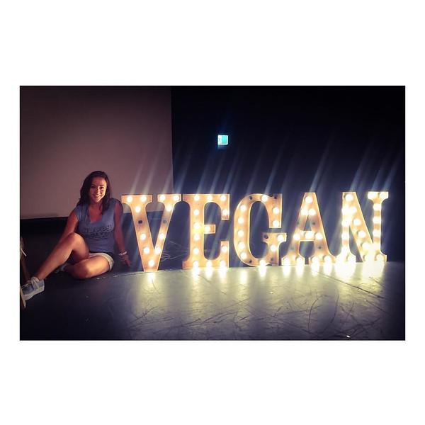 FreshGreenSmoothies_com-Vegans-Intelligent-Compassionate-raworganicvegan-4219.jpg