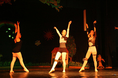 Emily - Balet show (June 2006)