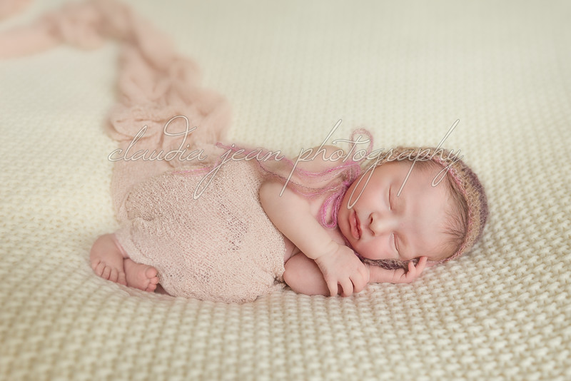 Fiona Jane's Newborn Portraits