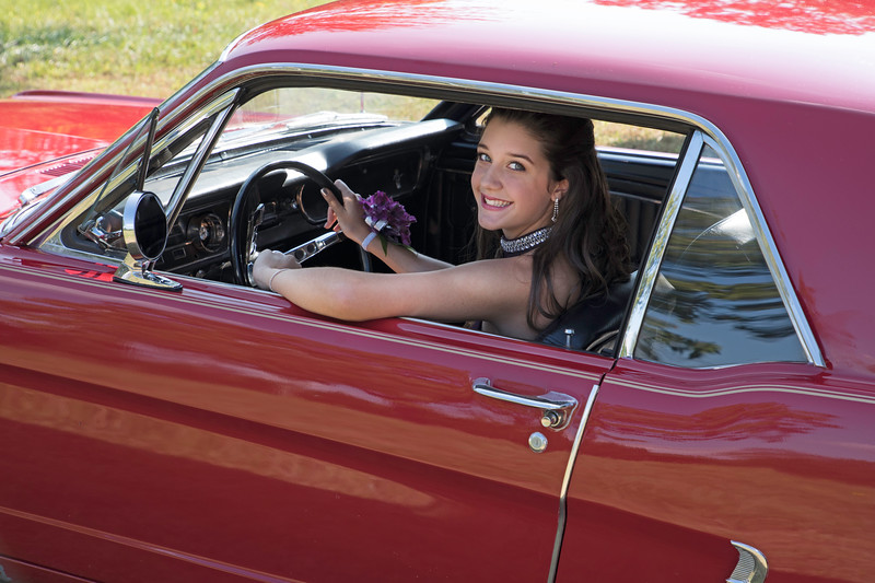 20170923-_K8A0702 Katie in car.jpg