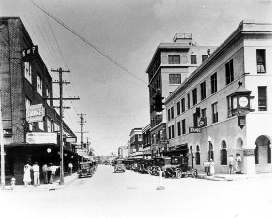 Central Avenue - 1924.jpg