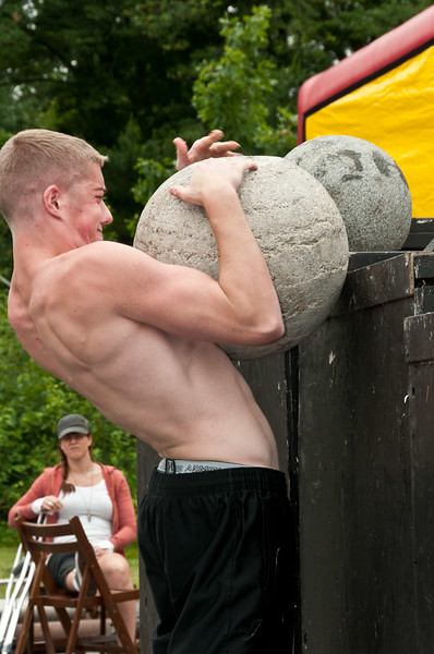 Fitness Revolution Strongman Challenge 2011_ERF4396.jpg