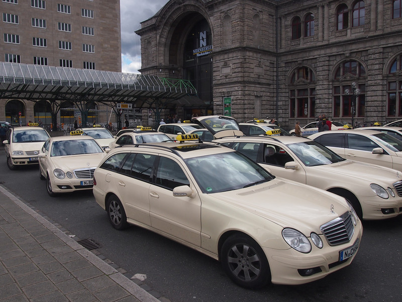 P5208206-taxi-station.JPG