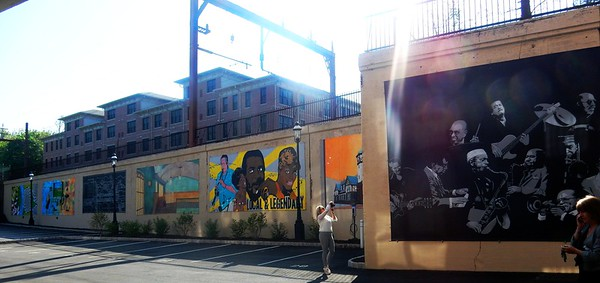 20150508 ThisMorningsWalk GatewaySO and Murals