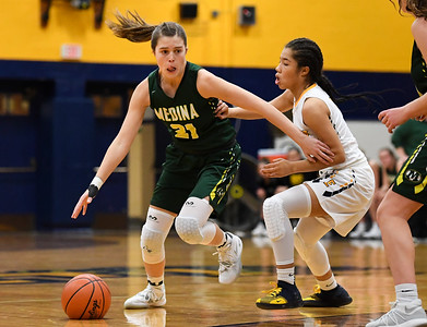 Medina forces overtime, beats Euclid to stay undefeated