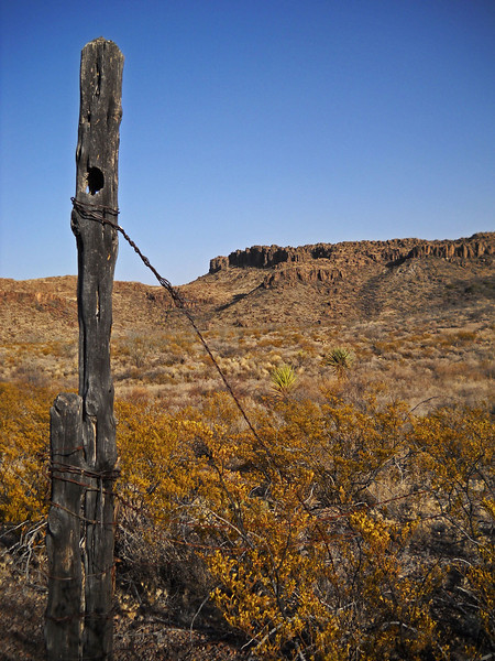 Auras-Canyon-hike-fence-4.jpg