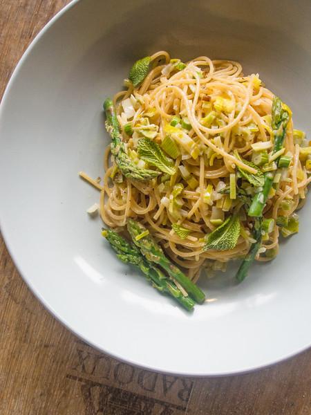 asparagus pasta on barrel 10.jpg