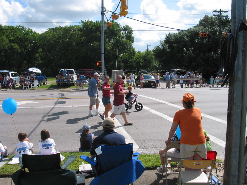 Picture_DON_70042004_Parade_016.jpg