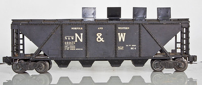 6446-25 Norfolk&Western Black Covered 4-Bay Hopper