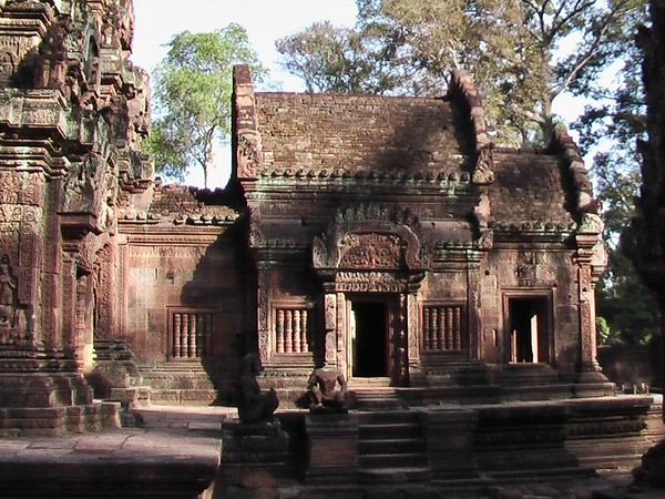 Banteay Srei and River of 1000 Lingas (December 18, 2004)