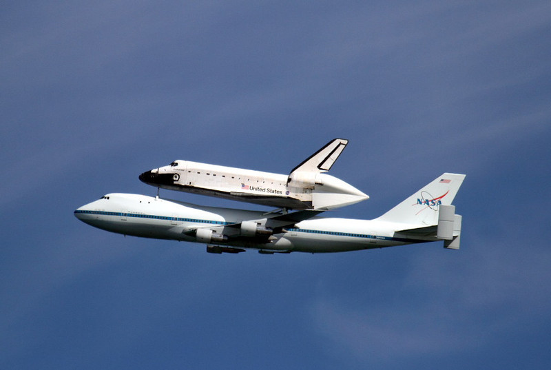 Endeavour flies over Treasure Island in San Francisco on Sept. 21, 2012.