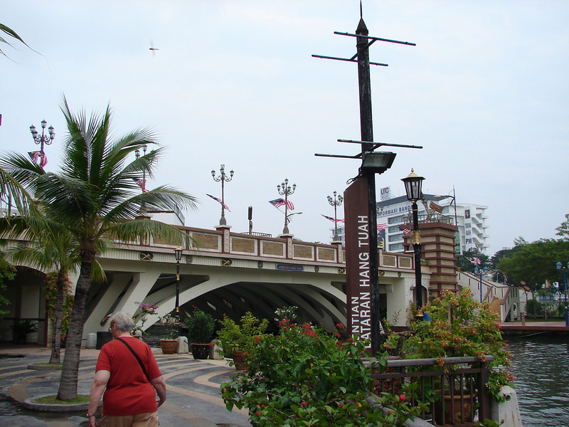 On our river walk with Historian Arhchoo in Malacca (12).JPG