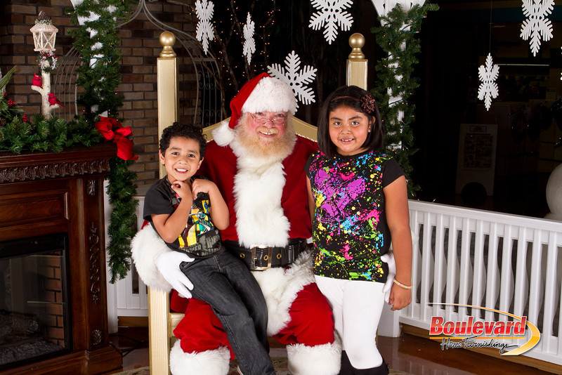 Santa Dec 8-260.jpg