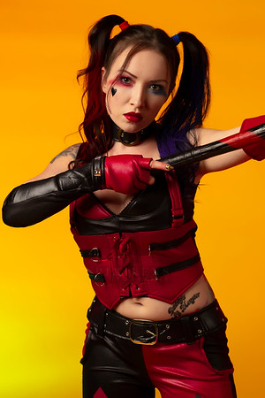 Ashley-Harley-Quinn-Oct2019