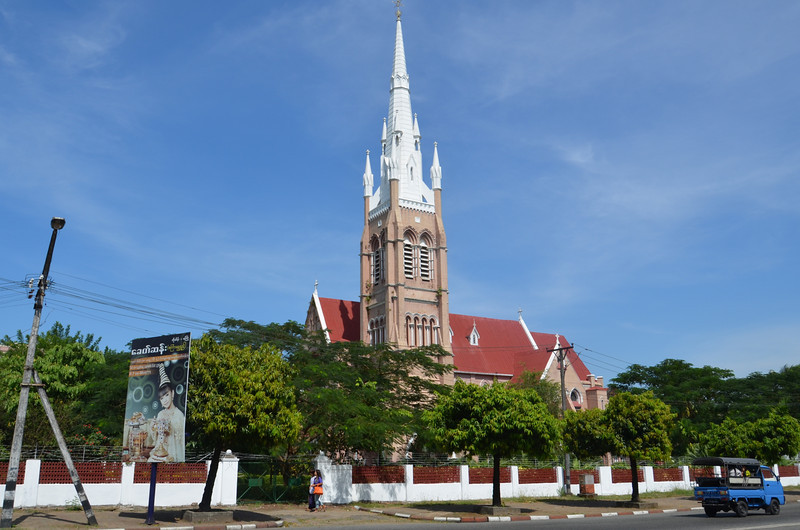 DSC_3590-cathedral-of-the-holy-trinity.JPG