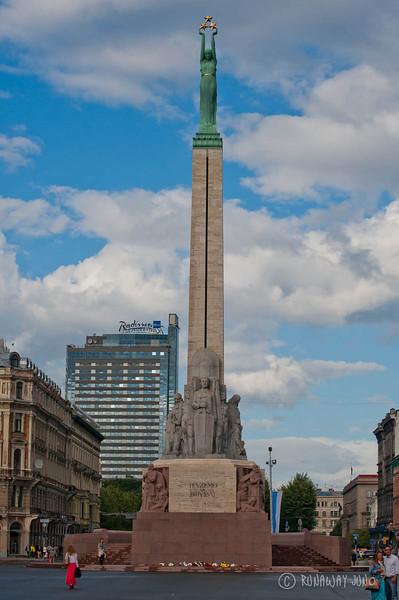 Riga-Latvia-milda-freedom-monument-2294.jpg