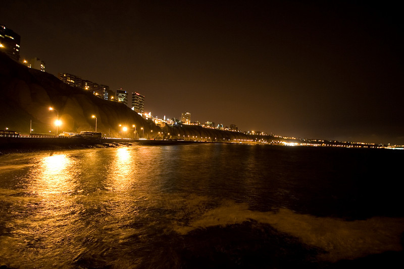 MIraflores at Night.jpg