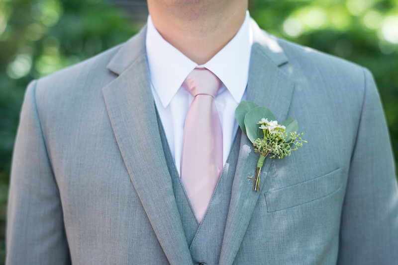 groom-details (19 of 28).jpg