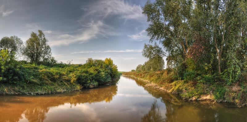 Where the Canalazzo Stream meets the Crostolo Stream - Santa Vittoria, Gualtieri, Reggio Emilia, Italy - September 29, 2011