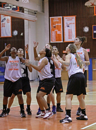Basketball Girls Yorktown 11/24/08