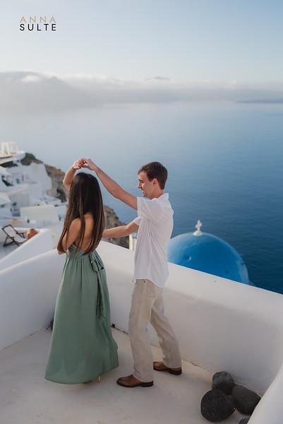 Santorini-photographer-Anna-Sulte-photographergreece-photographerinsantorini-santoriniphotography-oia-2.jpg
