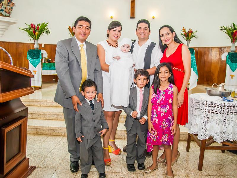 2014.09.07 - Bautizo de María Lourdes (114).jpg