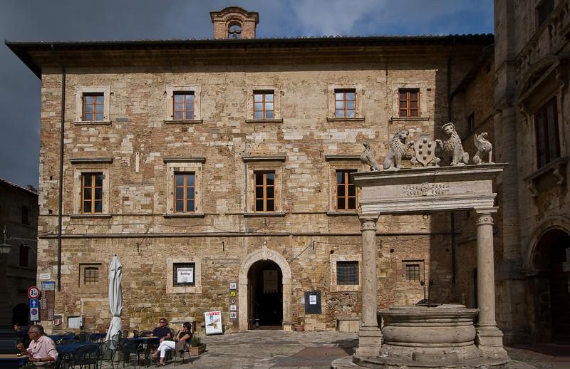 The Palazzo Nobili-Tarugi in the Piazza Grande (Montepulciano)