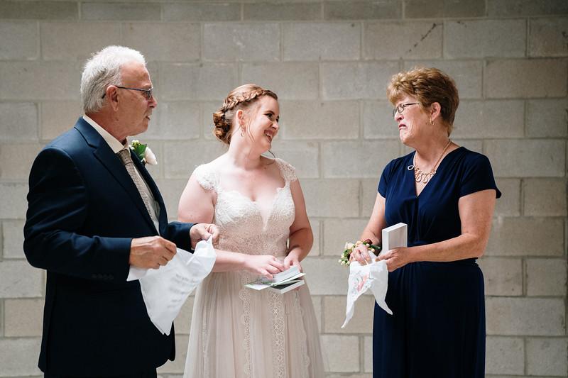 rustic_ohio__fall_barn_wedding-166.jpg