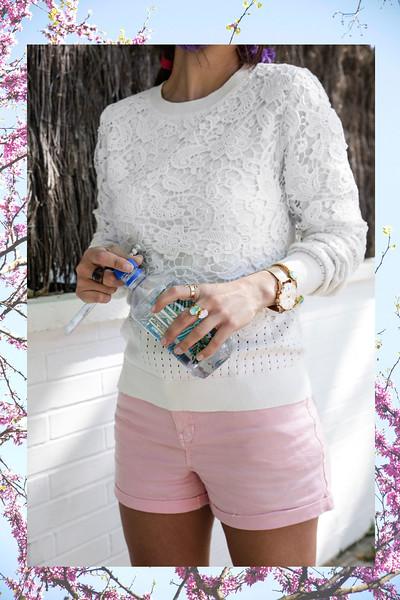 09_jersey_blanco_shorts_rosas_primavera_theguestgirl.jpg