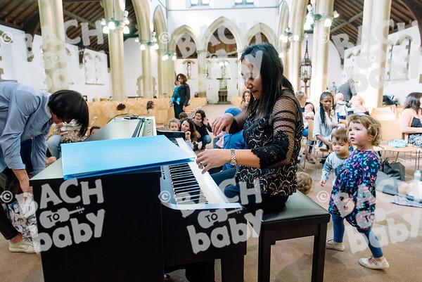 © Bach to Baby 2017_Alejandro Tamagno_Kensal Rise_2017-09-13 068.jpg