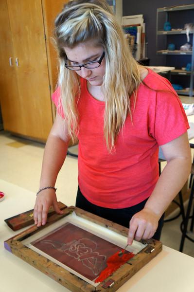 Lutheran-West-Art-Class-Silk-Screen-T-Shirts--September-2012--40.JPG