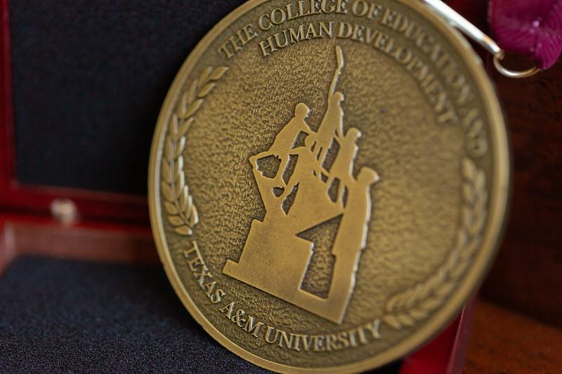 OA Medallion_0013.jpg